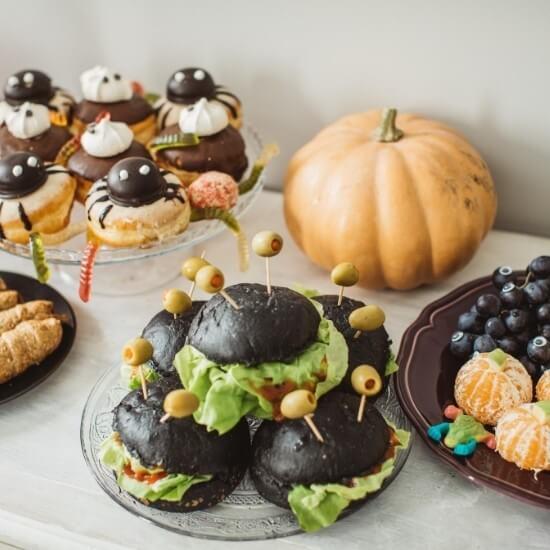 halloween blog ideas - decorative food table