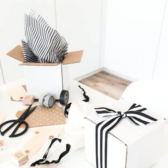 christmas blog post ideas - wrapping gifts