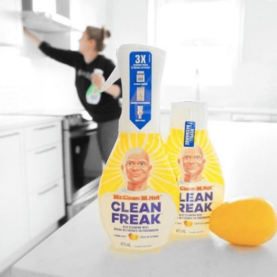 instagram content ideas - nikki cleaning a kitchen for a sponsored mr clean campaign