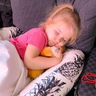 4 year old sleeping in dockatot grand